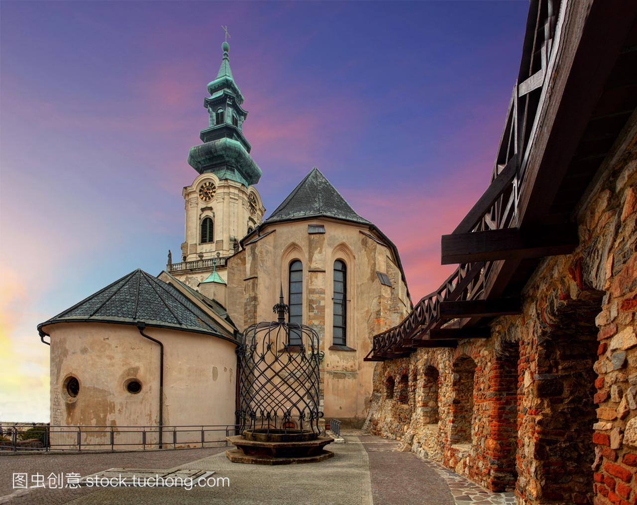斯洛伐克-尼特拉城堡在日落v城堡榴莲美食图片