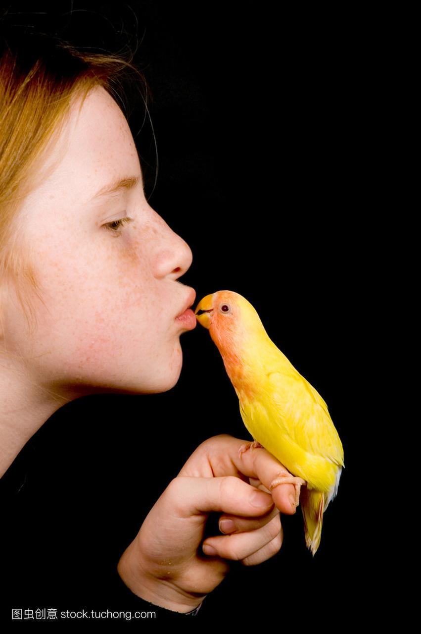小女孩黑上接吻莱博嫌弃丑被女生图片