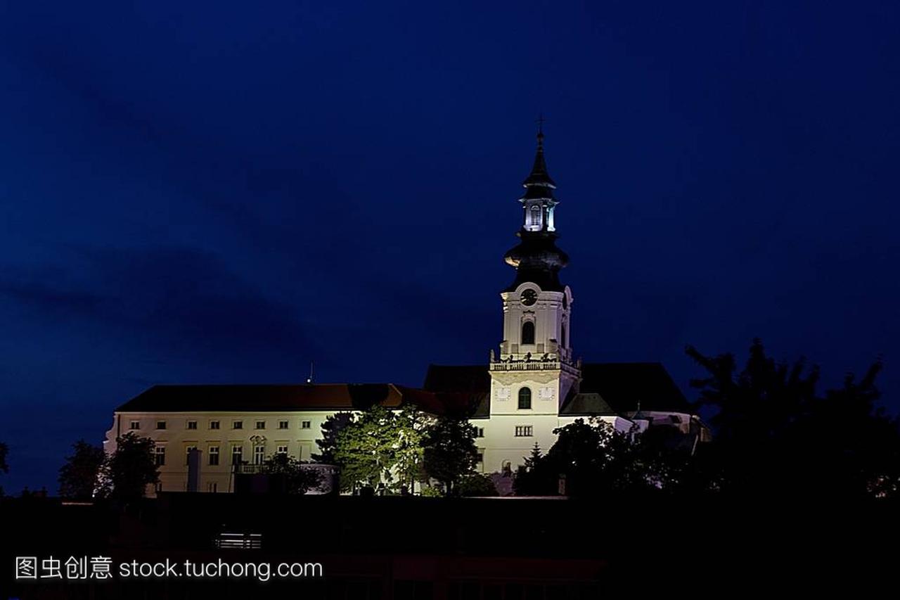 晚上,斯洛伐克,欧洲尼特拉美食西安城堡鱼图片