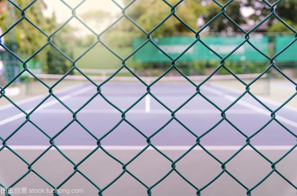 散焦和模糊体育的网球场,概念照片租的自行车图片
