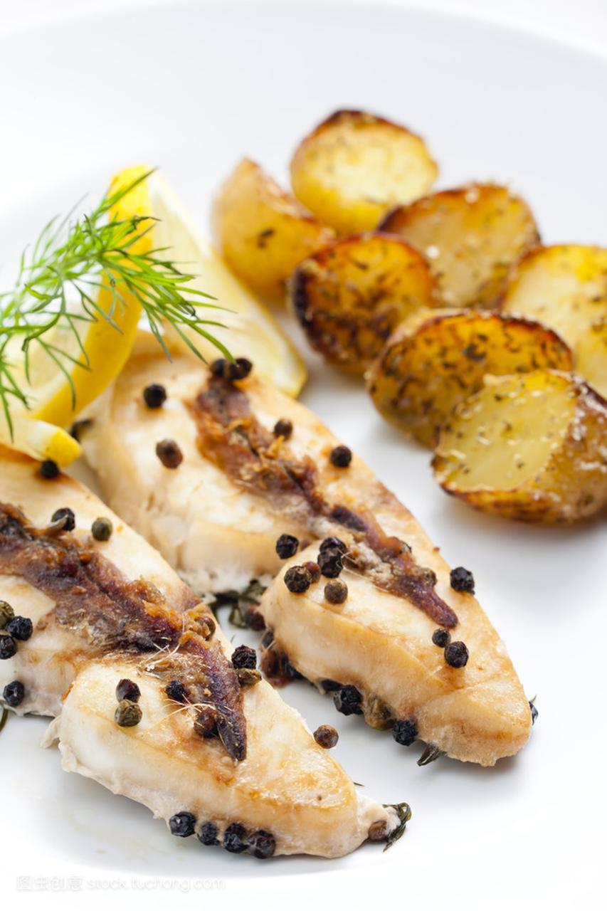 鲳鱼烤南瓜和凤尾鱼辣椒排骨地瓜图片