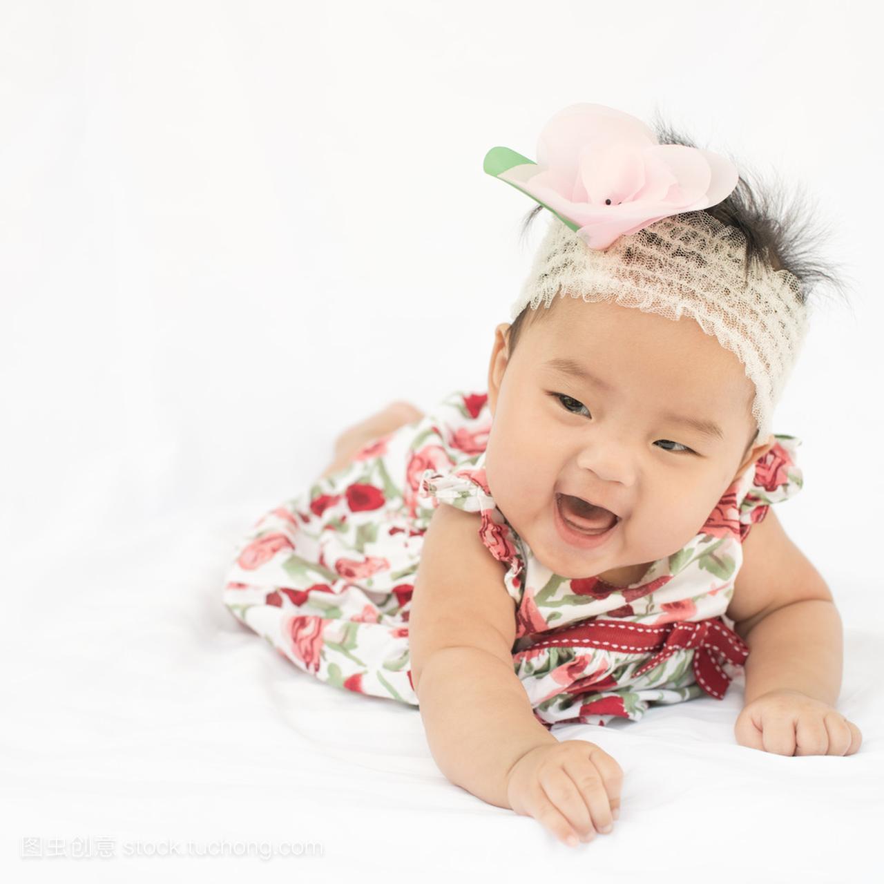可爱的小宝宝与头带裙子小女孩v头带着玫瑰上课脱女生图片