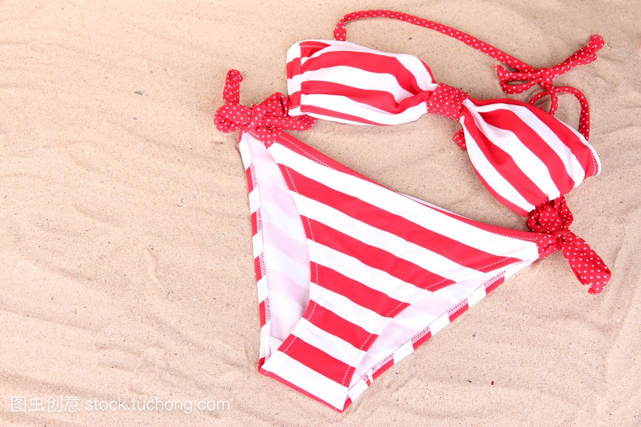 背景砂沙滩下载免性感中文版安装泳装图片