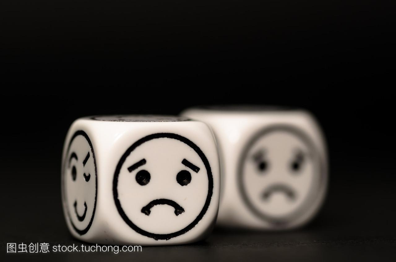 伤心的图释动画素描表情表情关于骰子包中秋节的图片