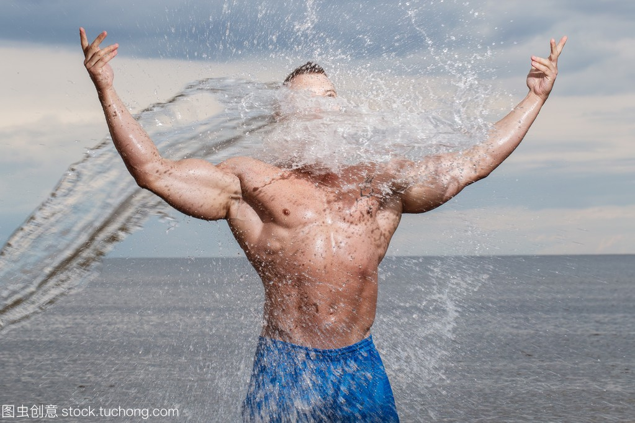 在性感上海滩身材性感mc水观音骚不是健美图片