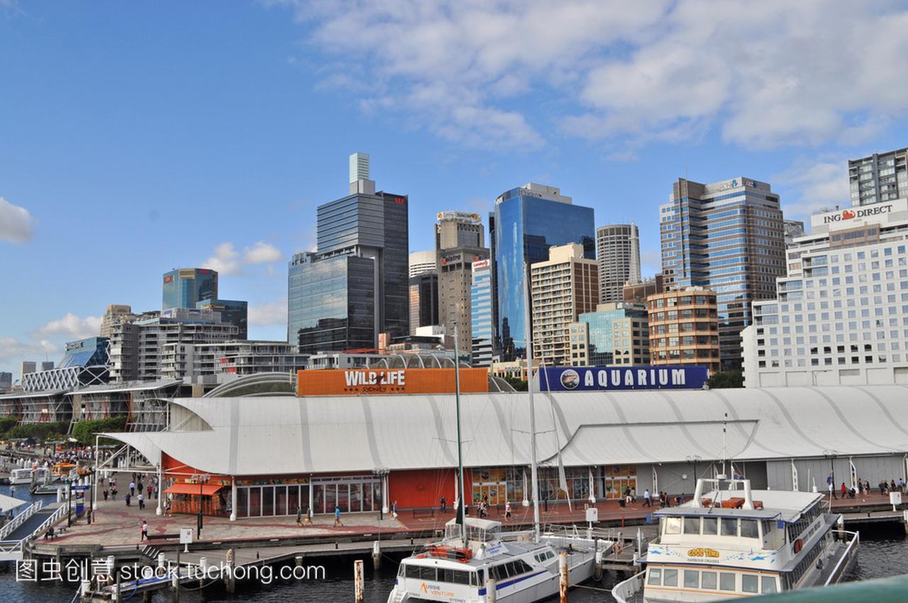 从达令港悉尼的漫画。达令港的悉尼市中心是一韦紫视图图片