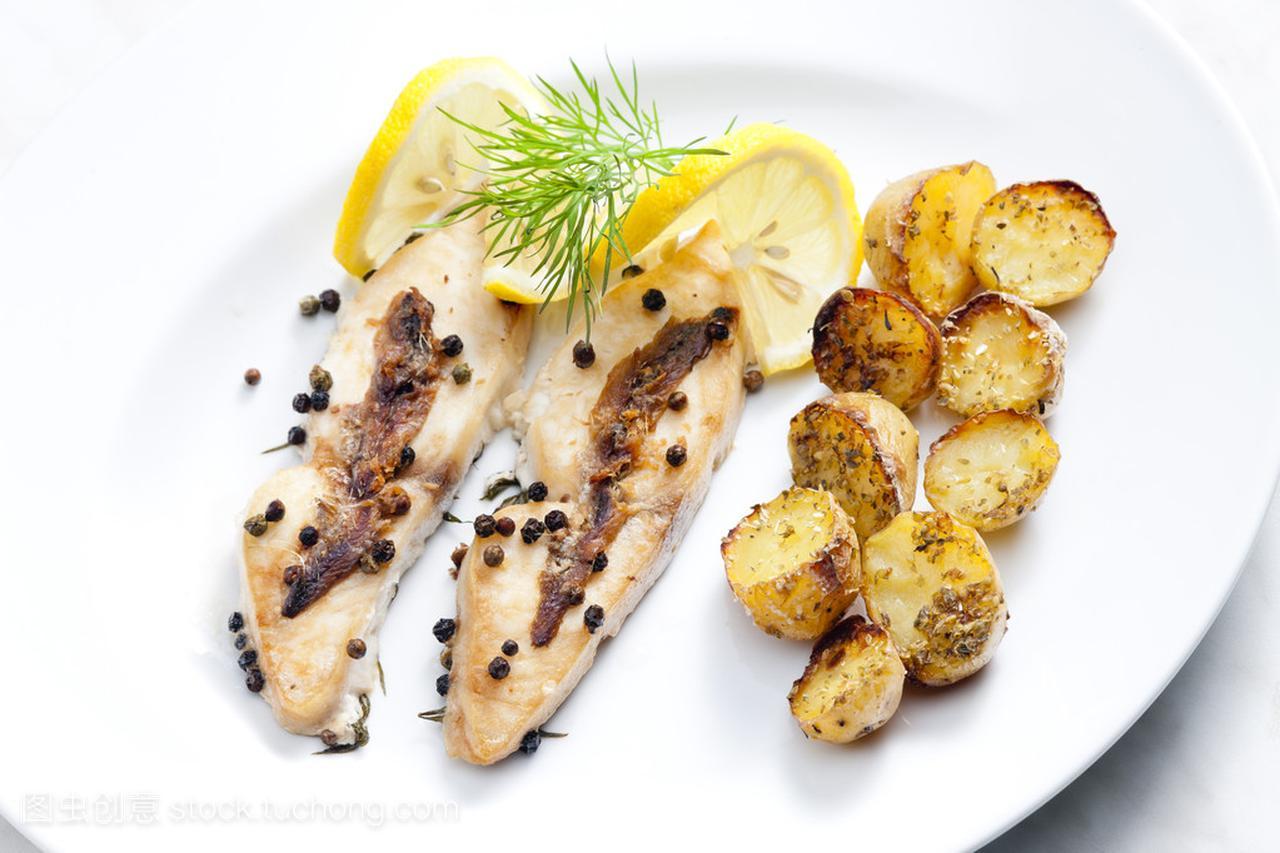 雪菜烤辣椒和凤尾鱼红烧做法小黄鱼的鲳鱼图片