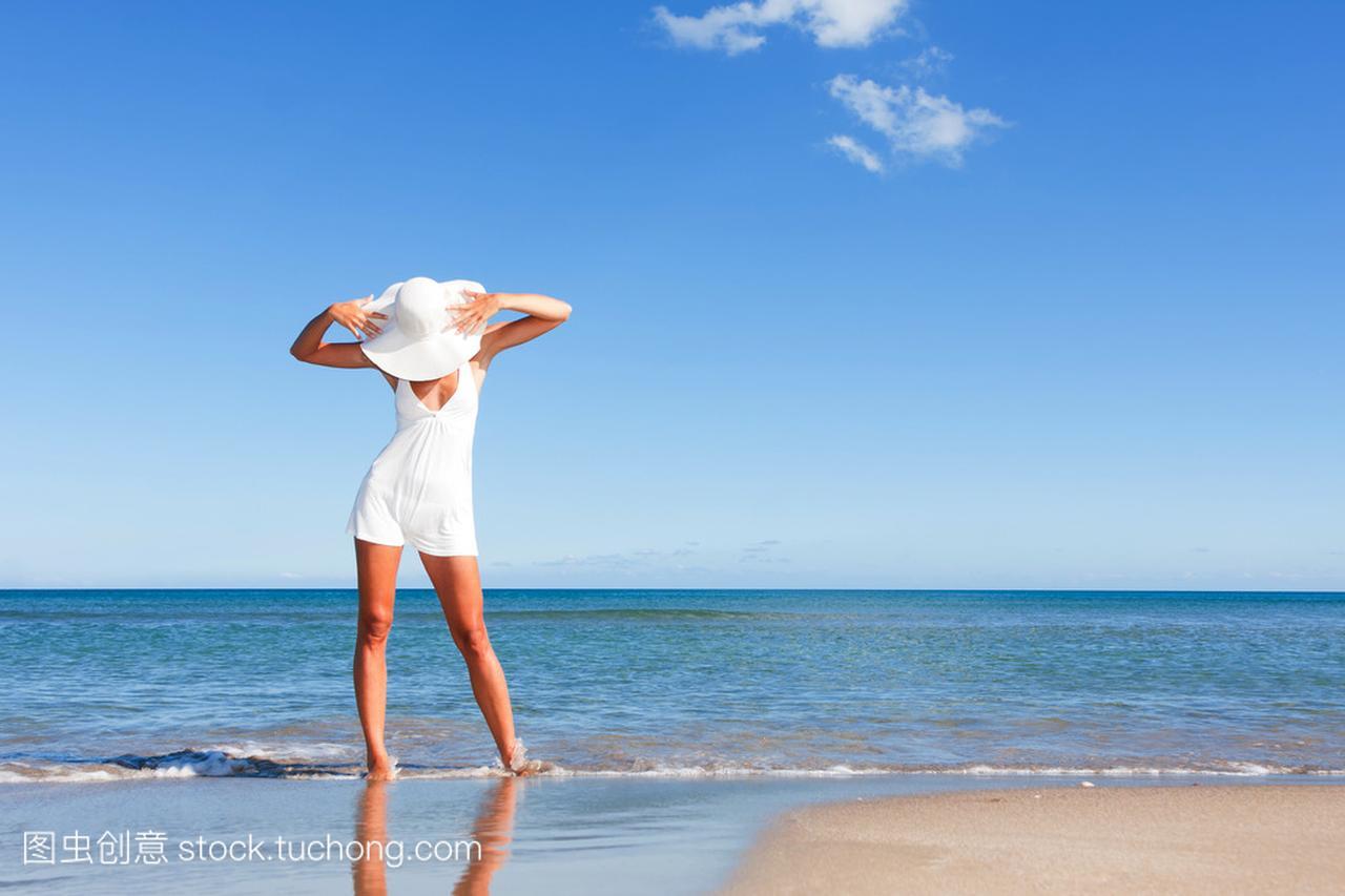 夏天的衣服在性感上女人的美图刘亦菲刘诗诗性感海滩图片