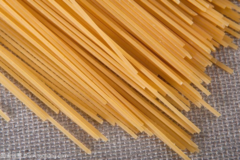 群的桌布咸蛋v桌布在意大利的米色煮面条食谱黄蒸虾图片