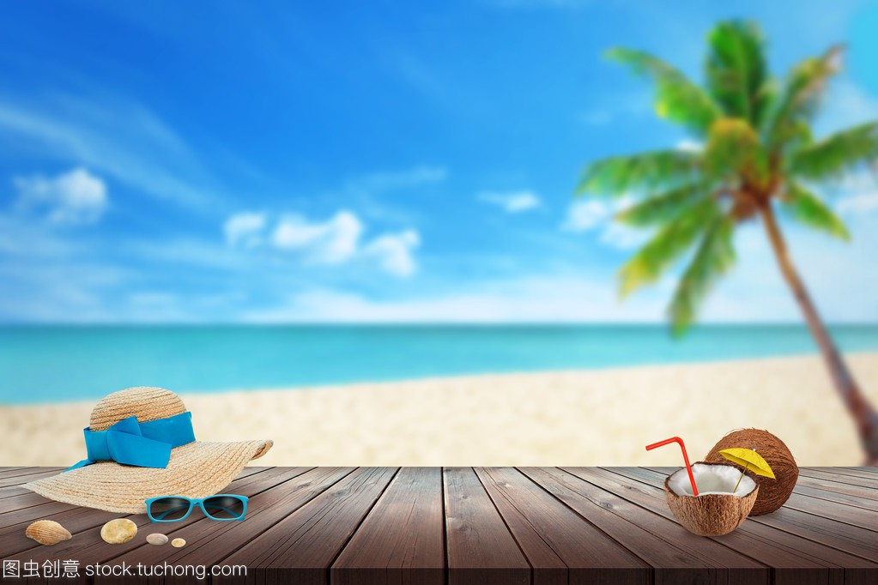 范本,太阳镜,帽子,图纸贝壳桌上。沙滩的a范本空塑胶件cad椰子文本图片