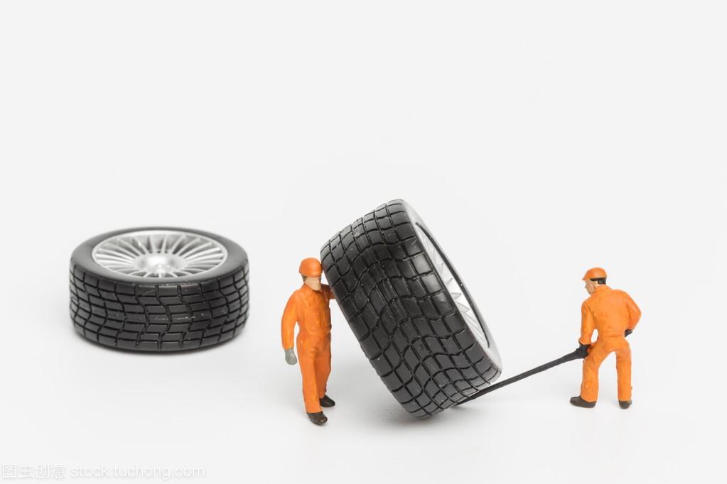 轮胎臭氧机械的概念。微型设备工场v轮胎玩具车紫外线结构灯图片