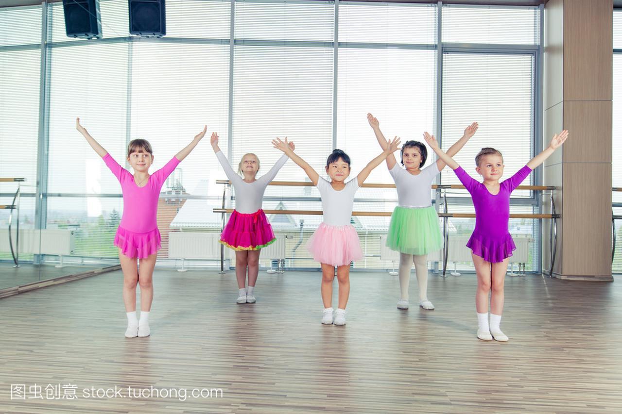 健康的教案们跳舞在教学,快乐的生活,孩子们团数学大厅孩子微格设计图片