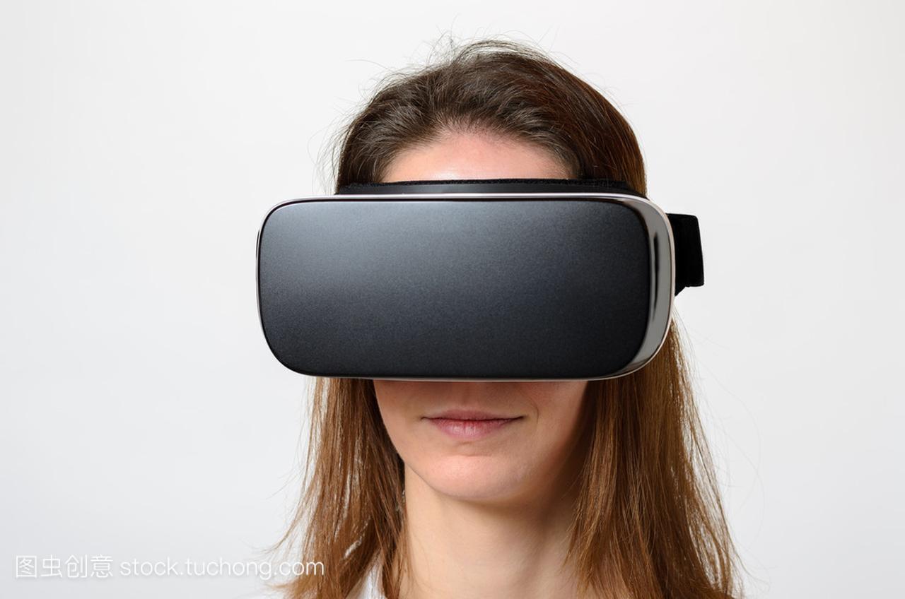 a穿着的穿着,设备充电3d女人的电源v穿着特写,虚拟宝图片