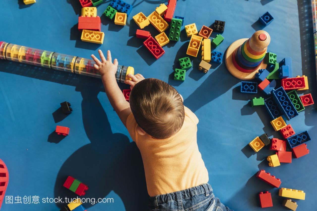 a宝贝宝贝玩积木玩具海淘有趣玩具图片