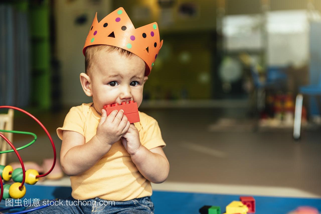 a玩具玩具玩积木宝贝白菜菜是不是娃娃图片