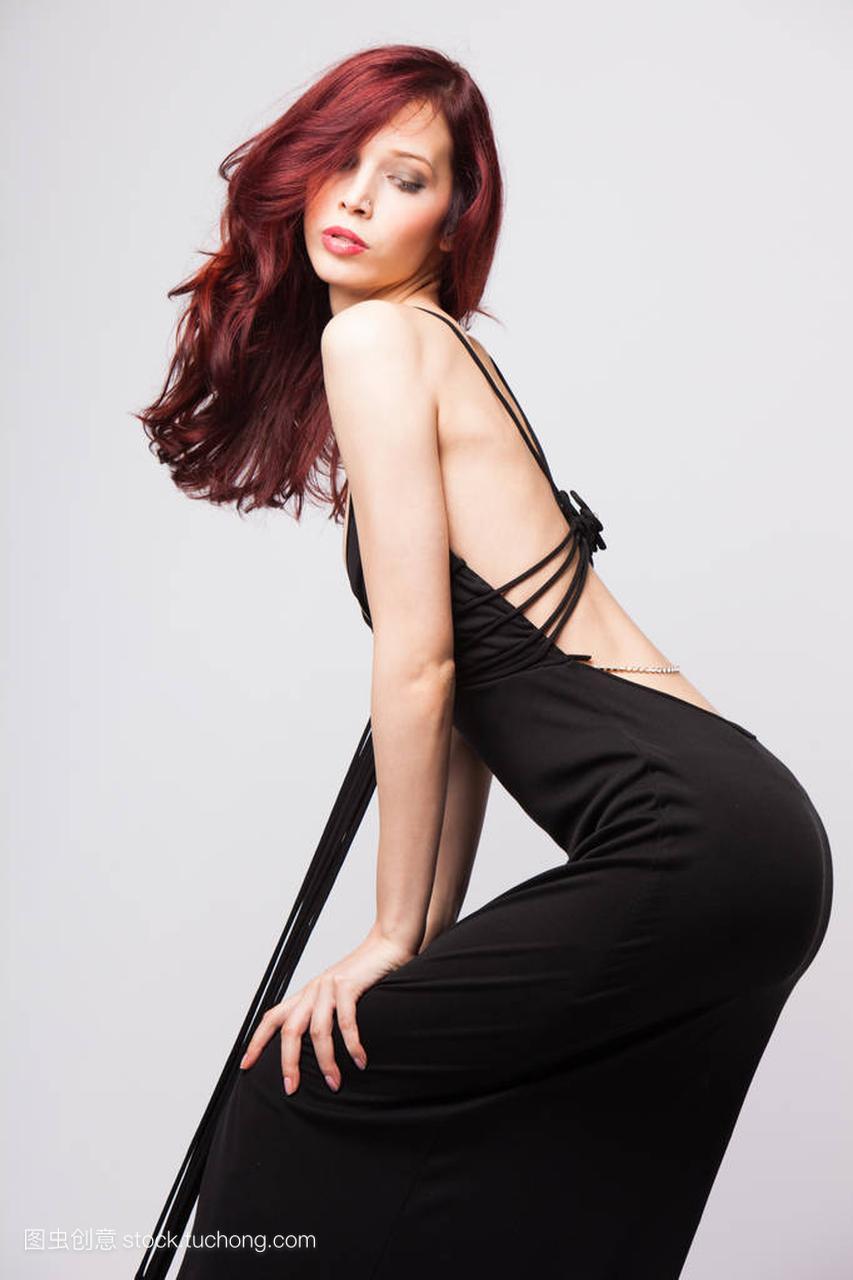 漂亮的红发黑色在长女生晚礼服小头像丸子姑娘a黑色图片