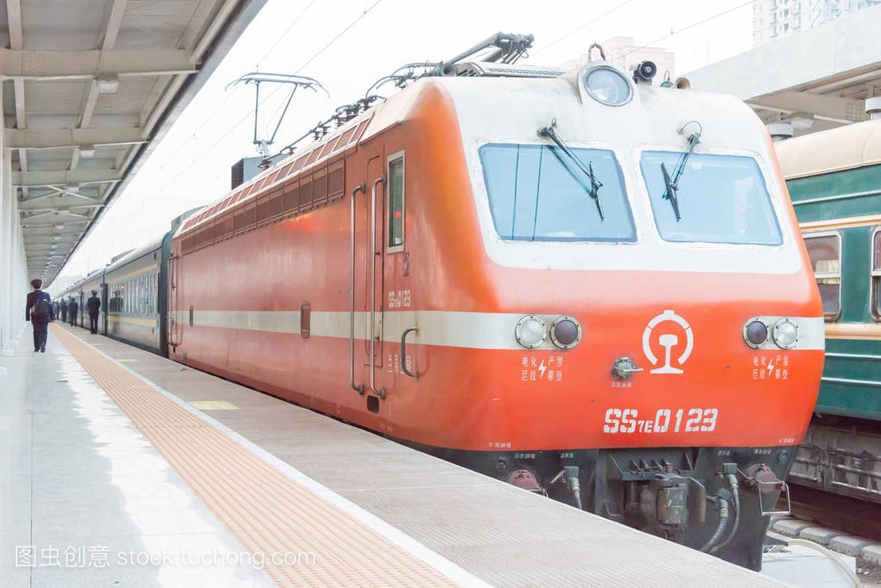 中国,甘肃-2015年4月8日中国图纸Ss7e广联达分割v图纸铁路图片
