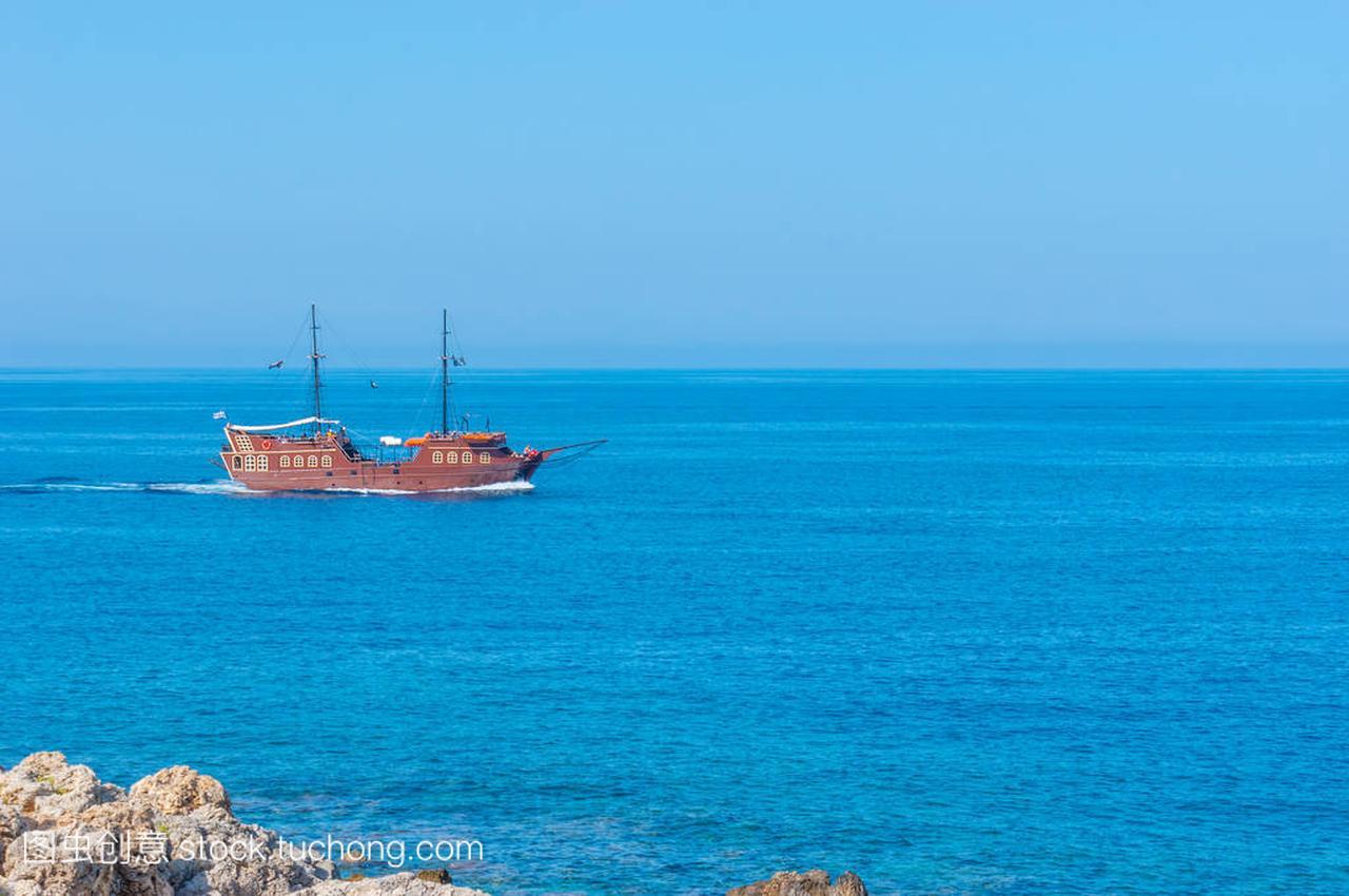 中世纪的帆船汽油哈弗h9新疆行图片