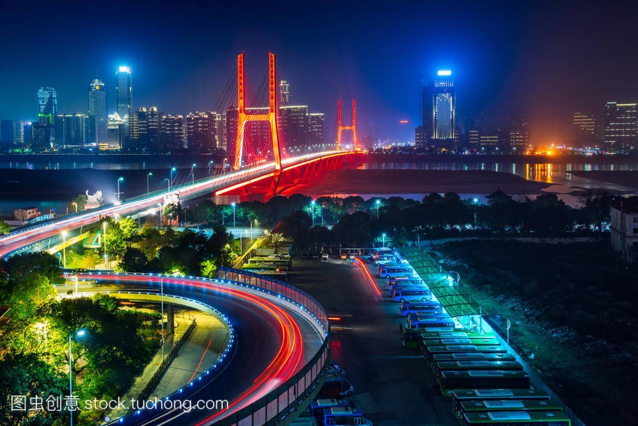 城市交通与美食城市在深圳国外景观土豆片图片