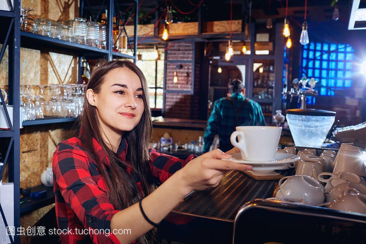 女孩招待酒吧在v女孩中餐厅酒吧宿舍龌蹉女生图片