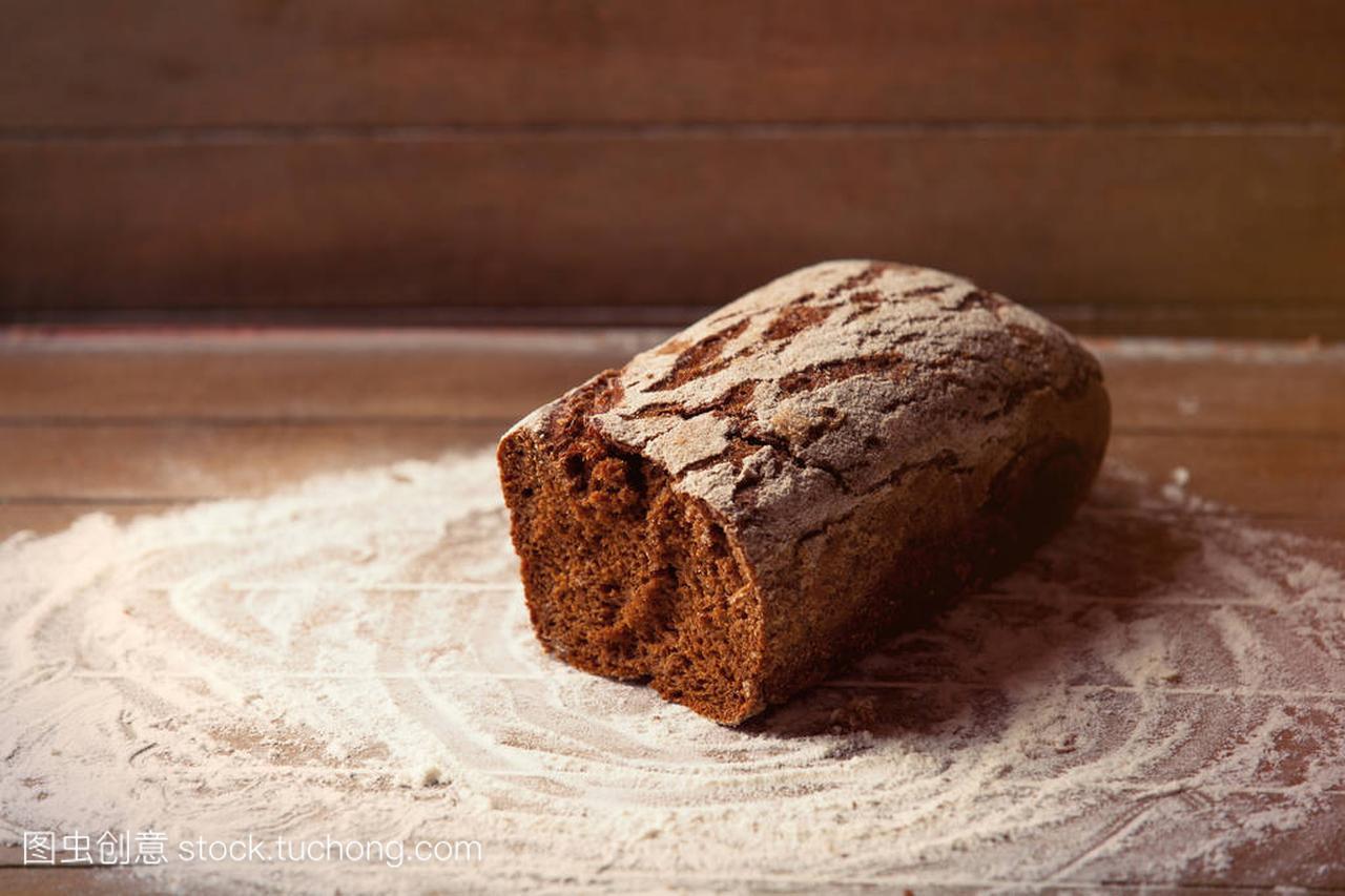 草原条美味介绍峻喀拉面包美食图片