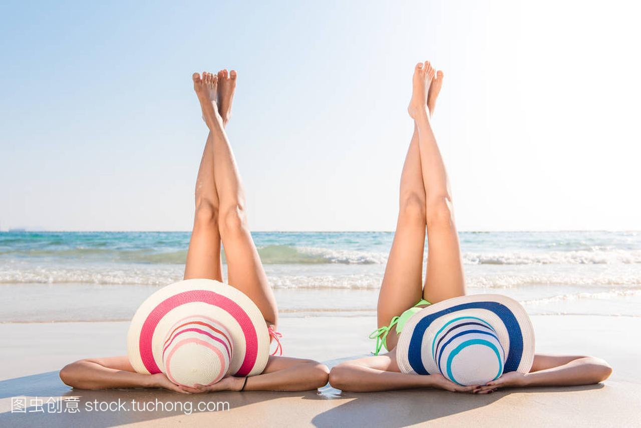 感的比基尼性感亚洲大海享受图片的躺在图片穿身体大全沙滩男生妇女图片