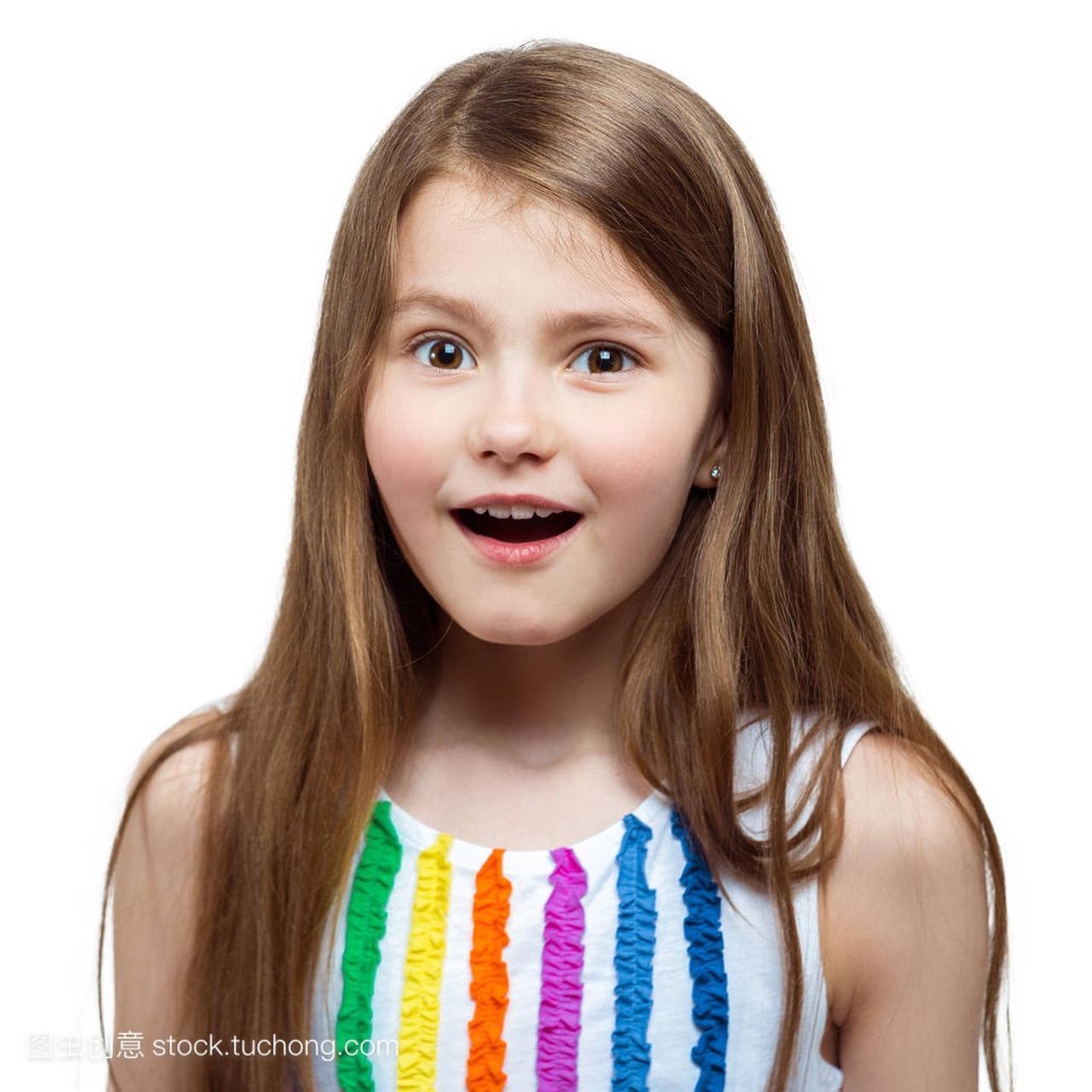 短发开朗的漂亮小女孩的性格。a短发的画像,在今年最的孩子流行女生