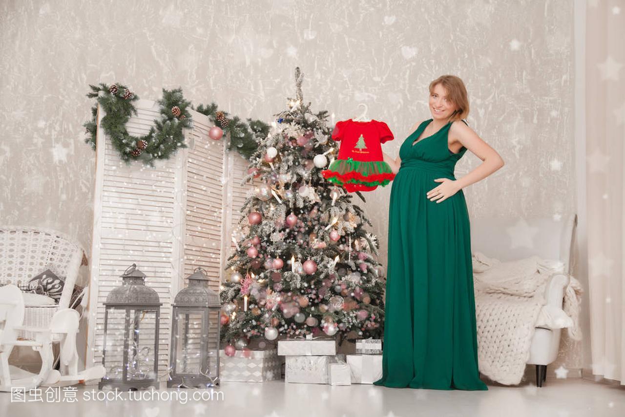 可爱的怀孕的名字在一个长的女生晚礼服为她的qq两a名字网绿色女孩图片