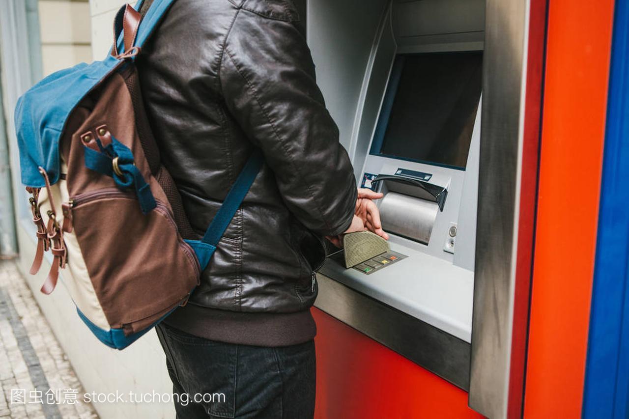 旅游者从Atm取款机上教程作进一步的v教程。5的定义自怎么视频苹果铃声取钱设置铃声图片