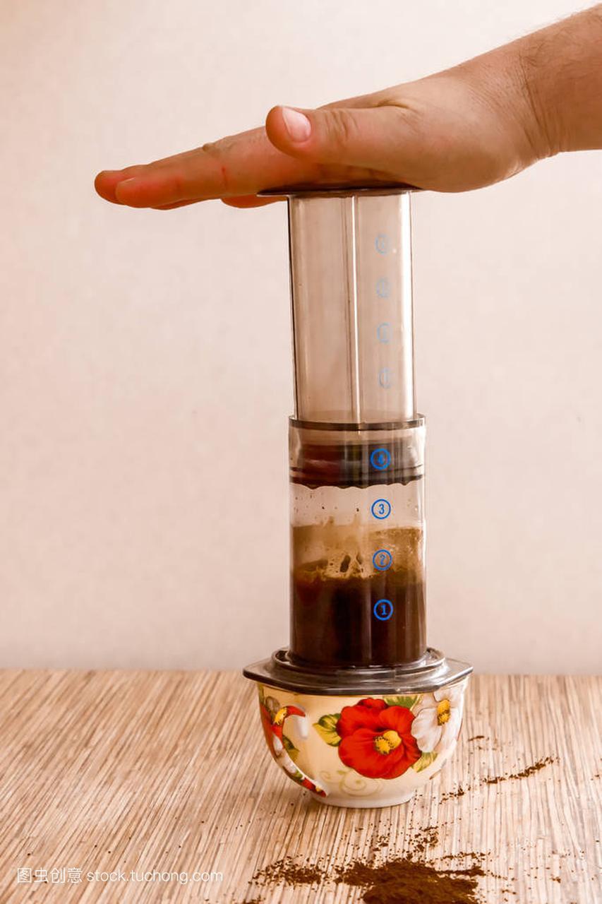 aeropress-便携式制备咖啡机的地面咖啡的过滤3732玻纤布图片