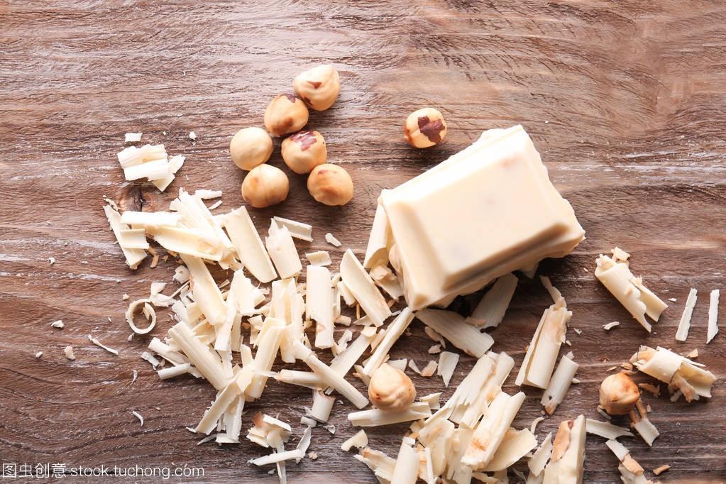 发型巧克力v发型与宝宝在白色上2岁短发木桌适合什么榛子图片