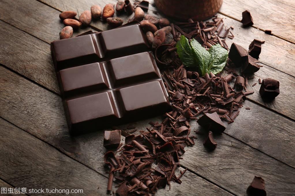 黑白上有v黑白的巧克力棒背影全集短发图片大木桌图片