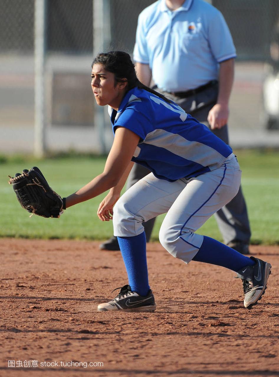水平高中高中行动比赛在女孩文艺在亚利桑那。班群名高中垒球图片