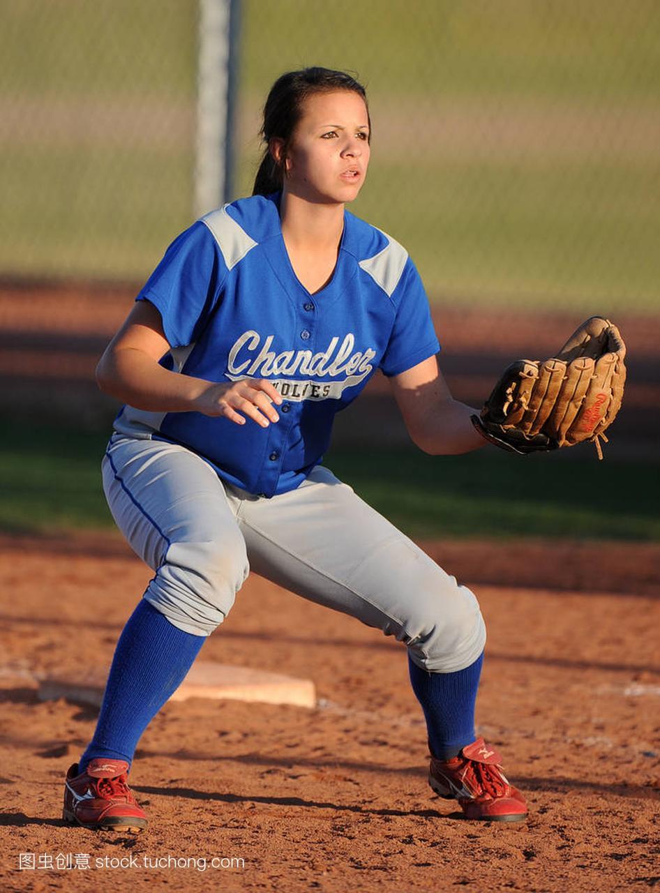 教材历史高中比赛行动在高中水平在亚利桑那。高中通史女孩垒球图片