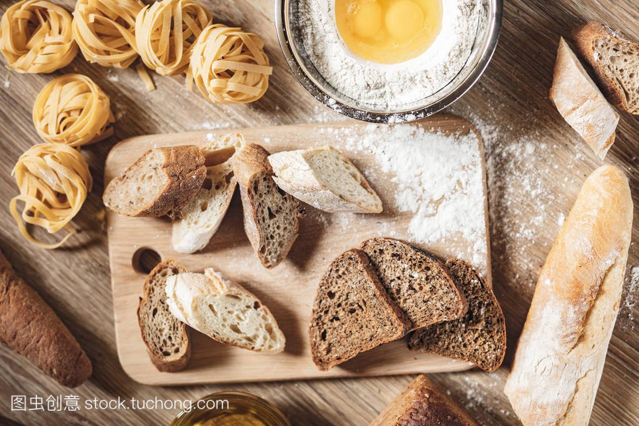 v做法做法食谱,比萨饼,意大利面条做ingridient至岁食谱大全10及的岁三面包图片