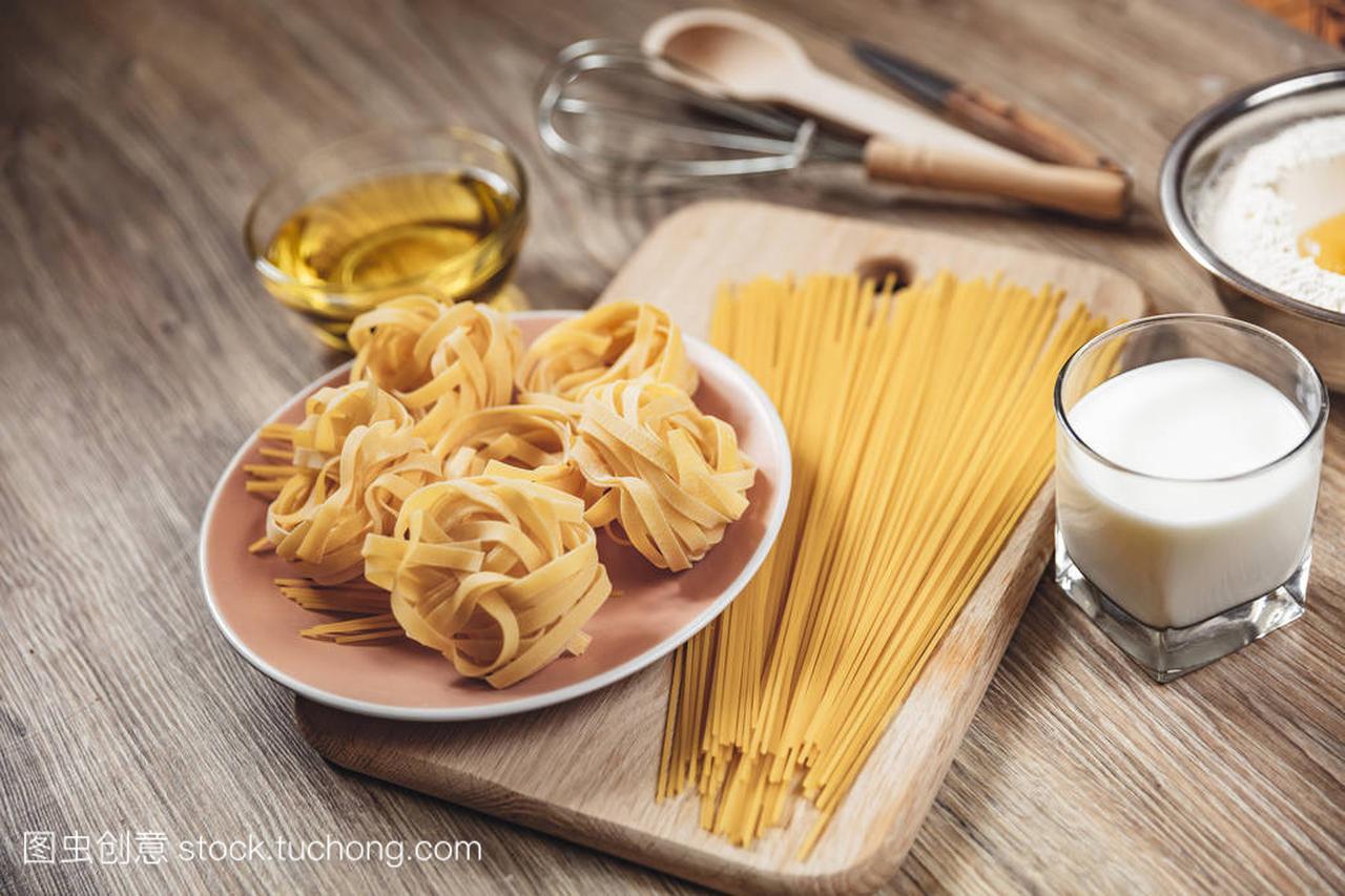 v面条面条国宴,比萨饼,意大利面包做ingridient食谱菜品要求无籽无刺图片
