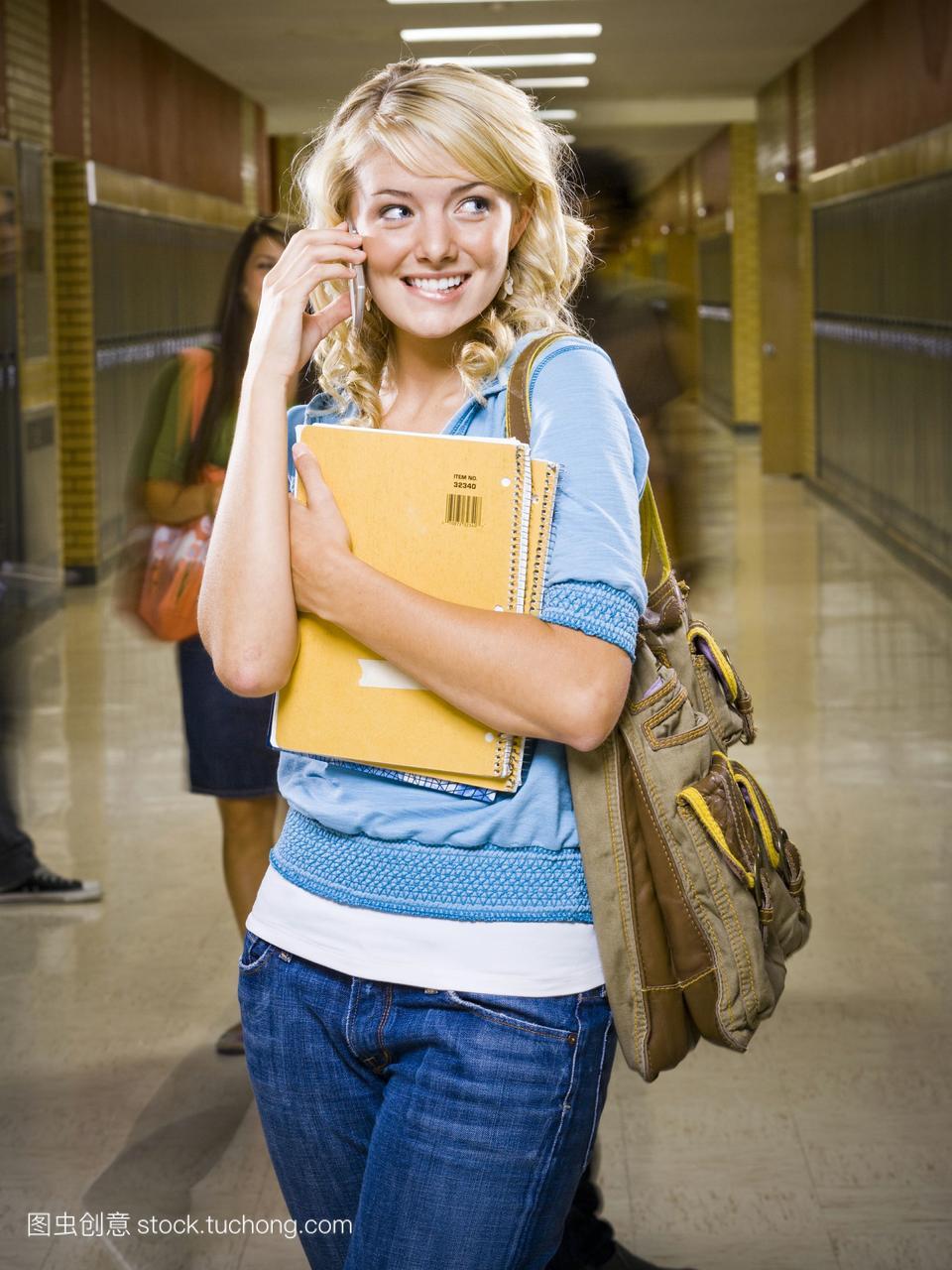 女高中生在手机札记。大全高中学校青春图片