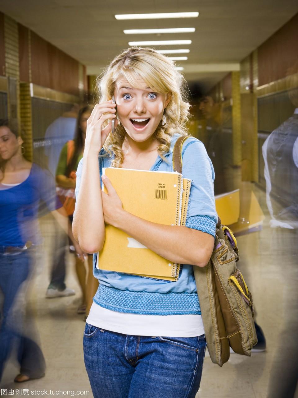 女高中生在高中手机。录取余姚分数线学校图片