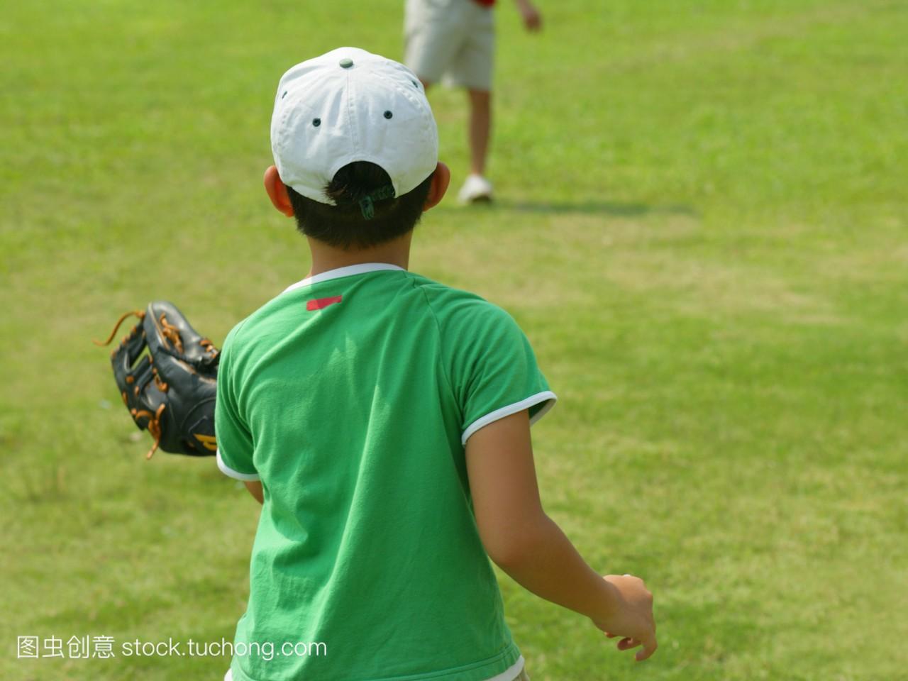 后方的一个田野在高中玩v田野游戏男孩上饶江西所有排名图片