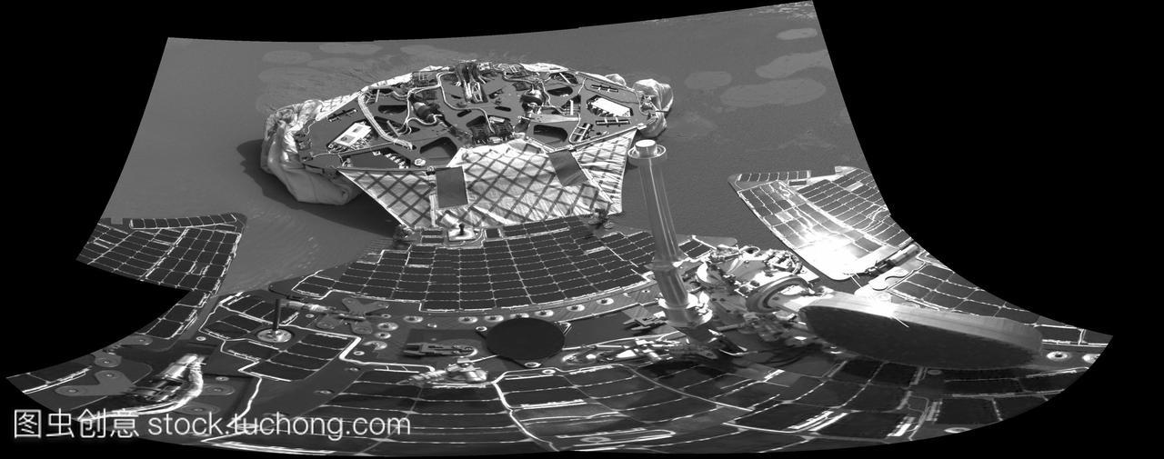 泉源号探测器在火星上离开着陆器。火星探测车实验班高中机遇图片