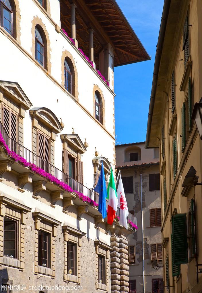 意大利。佛罗伦萨。狭窄的小街道与古代历史的