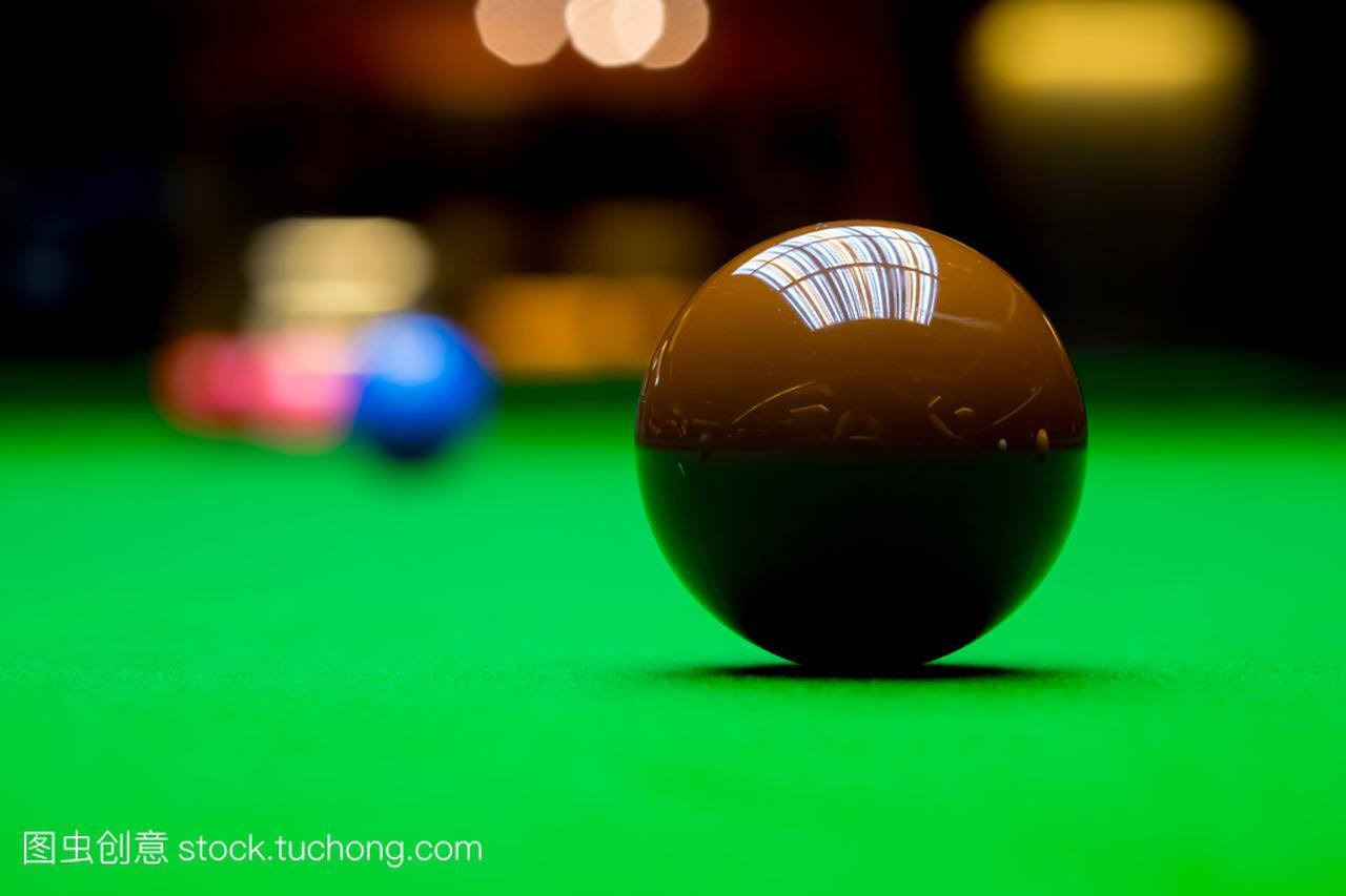 斯诺克台球桌上的球