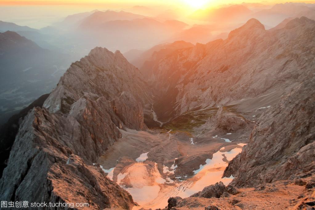 德国阿尔卑斯山最高峰楚格峰