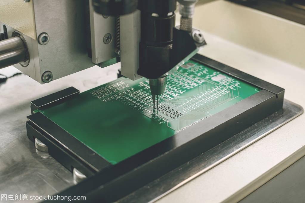 自动化的机器装配的计算机电路板的计算机组件