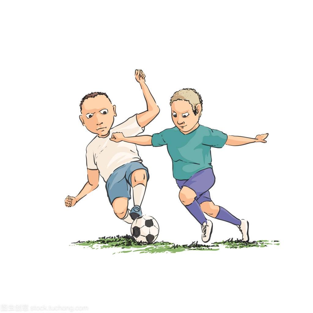 足球运动员在球场上带球跑