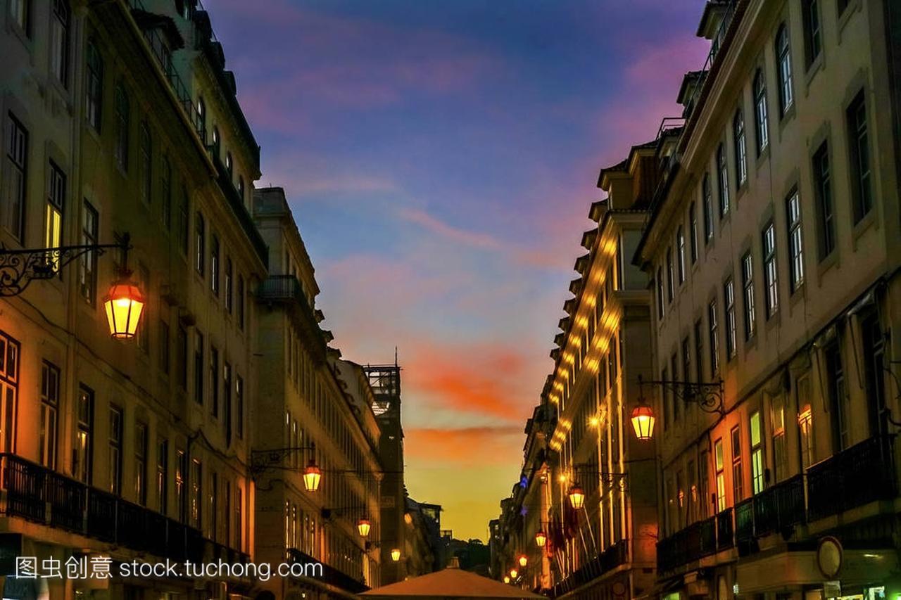 Rua 奥古斯塔晚上步行购物街 Baixa 葡萄牙里斯本