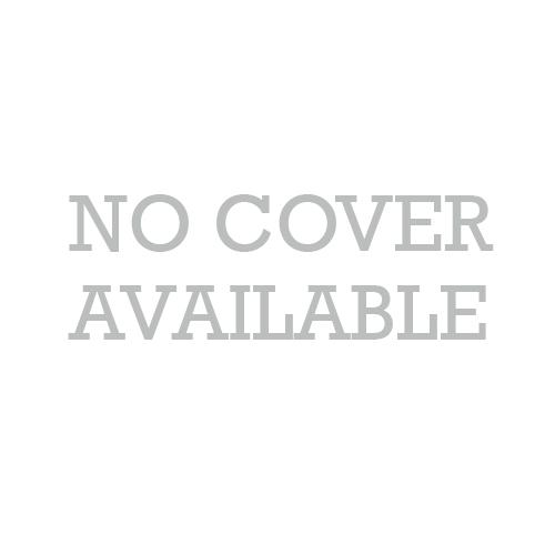 在一件黑色连衣裙漂亮性感性感金发女郎的肖像