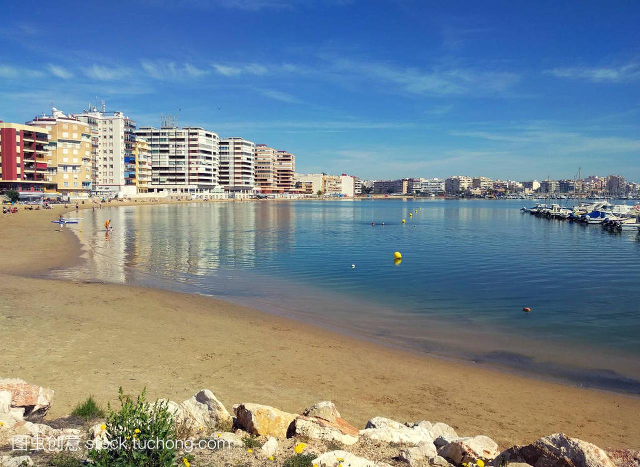 海滩的瓦伦西亚在阳光明媚的天气
