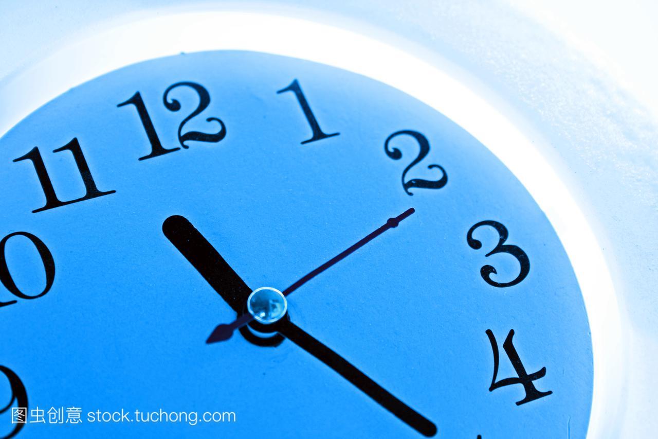 午夜,小时,工作,座钟,想法,截止时间,打工,手,时机