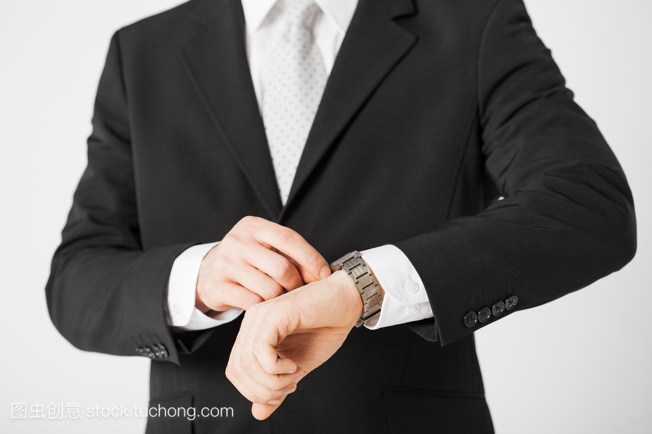 办公,迫临,紧密亲密,收场,迫近,男性,须眉,男人,完